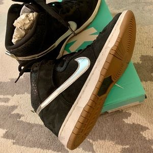 New & rare Nike dunk high tops! Unisex style